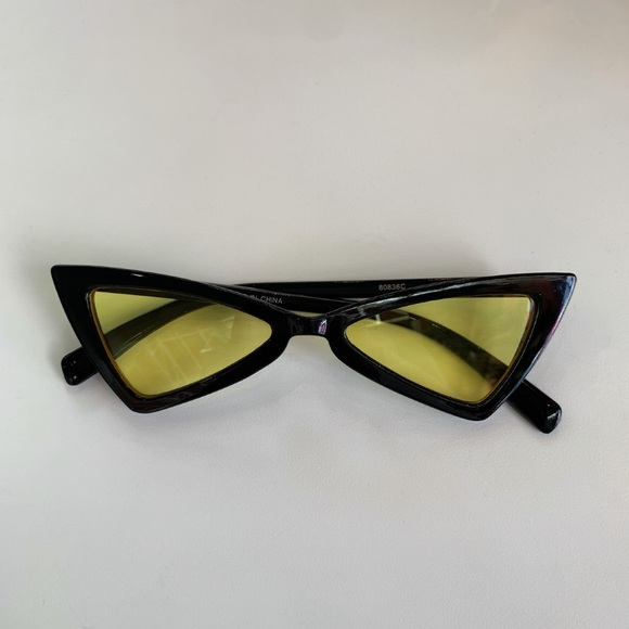 Accessories - Stylish day/night driving glasses